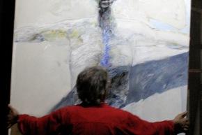 Calabria nello studio con il ritratto di Pantani - 2005
